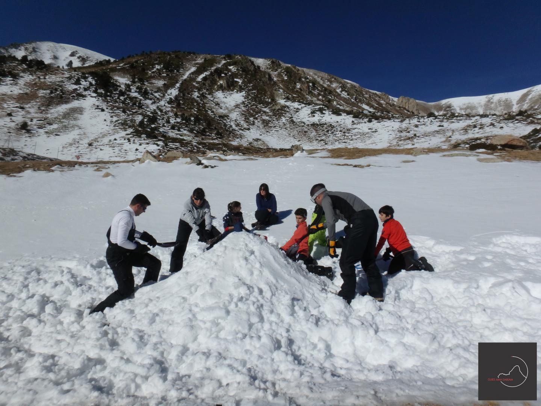 raquetes de neu i construcció iglús